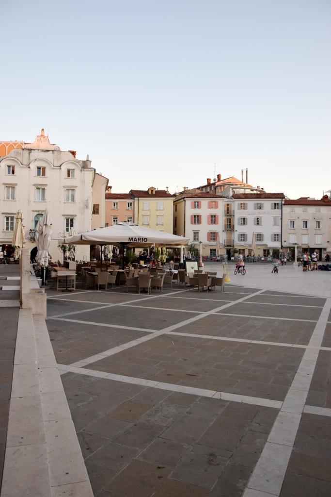 Piran Tartini Platz Cafés