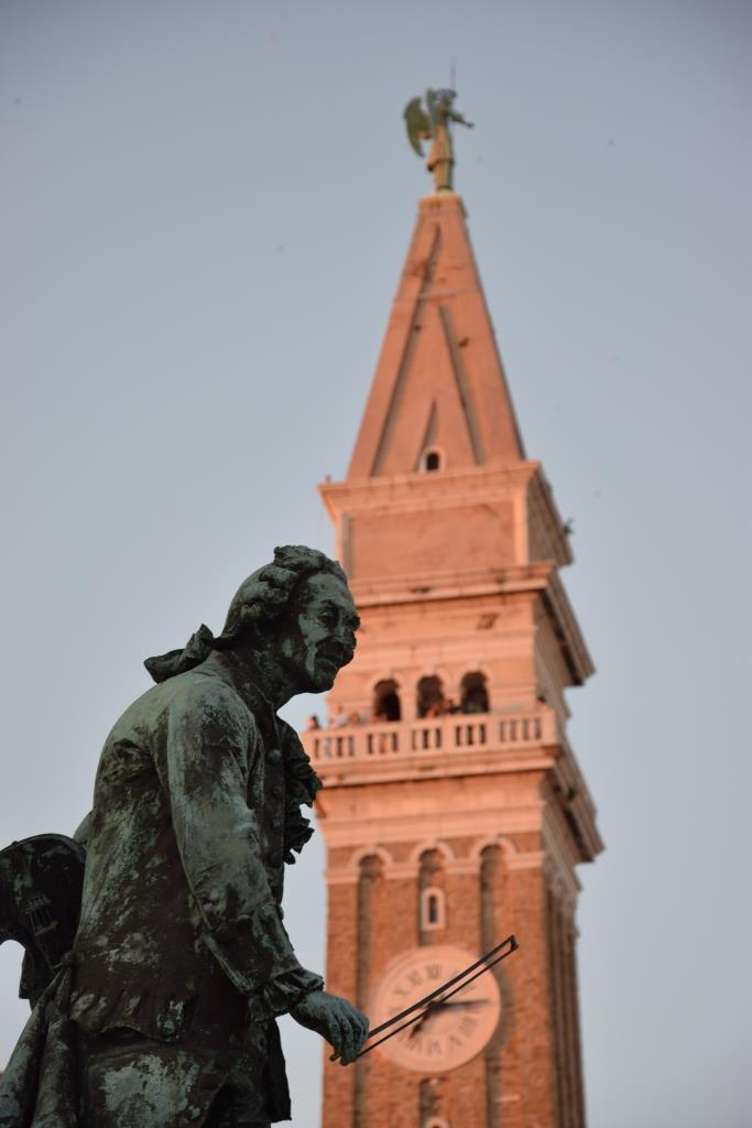 Tartini Statue Kirche