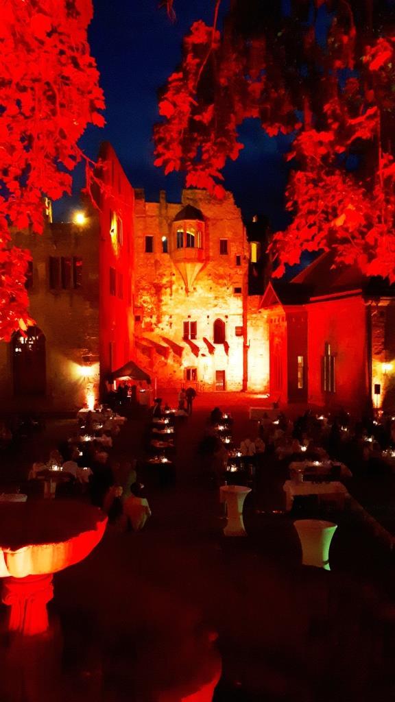 Schloss Heidelberg rote Beleuchtung