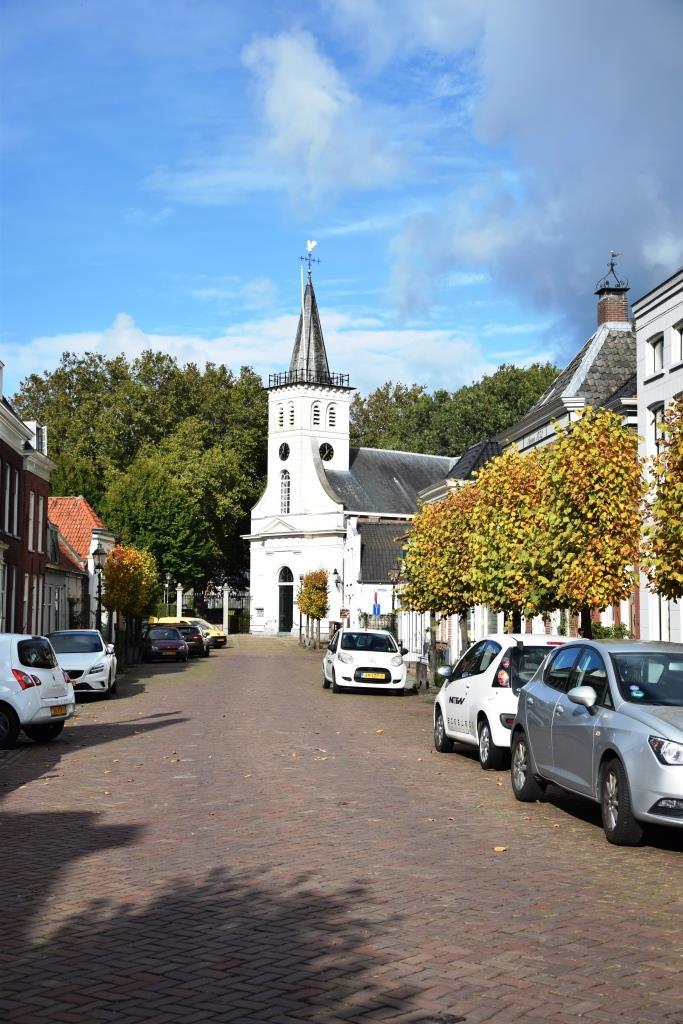 Kirche Holland Herbst