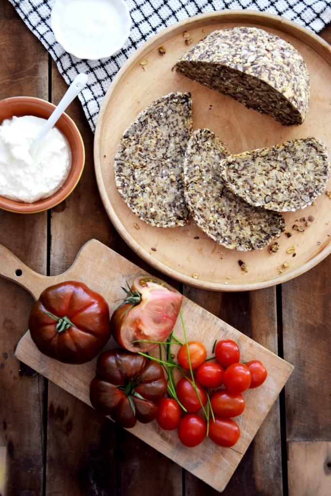 Brotzeit Vollkornbrot Tomaten