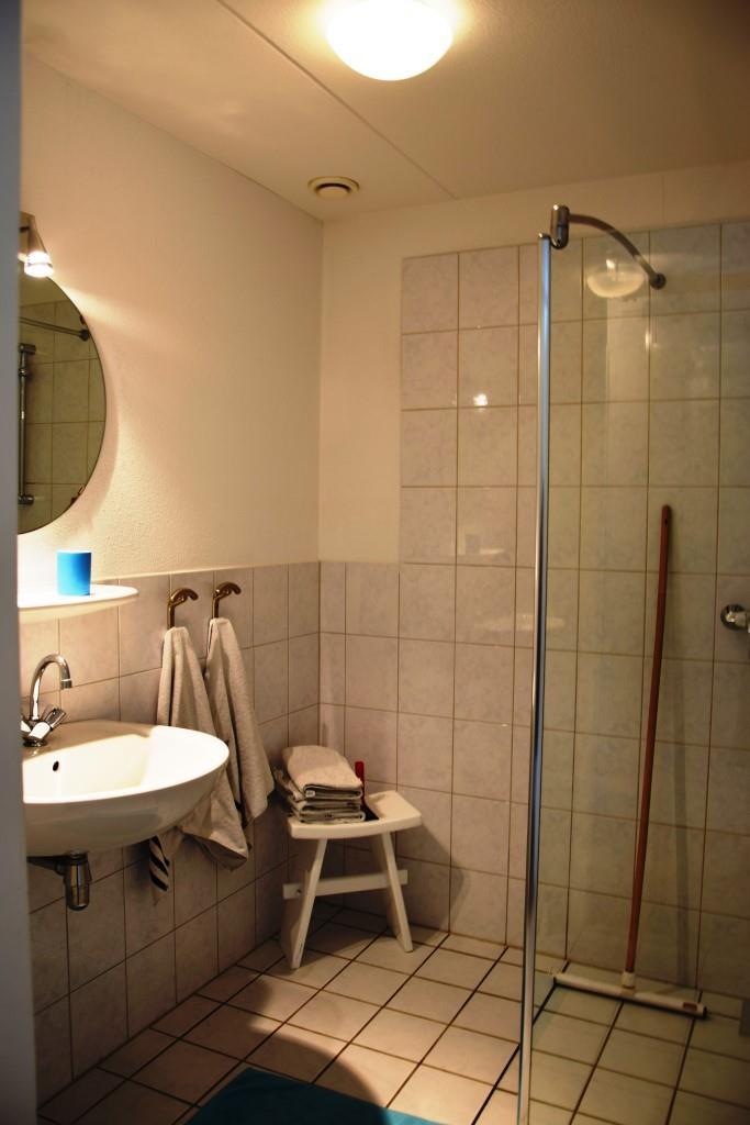 """Die """"Kammer des Schreckens"""" - das Bad in unserem Ferienhaus VORHER ..."""