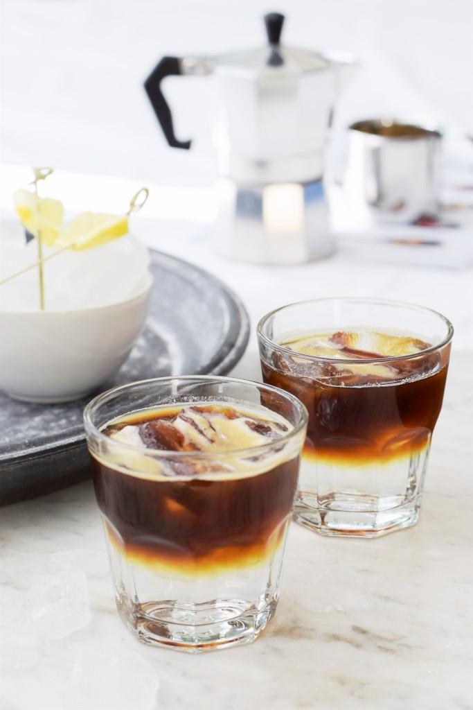 Espresso Tonic, das erfrischend coole Sommergetränk für heiße Tage