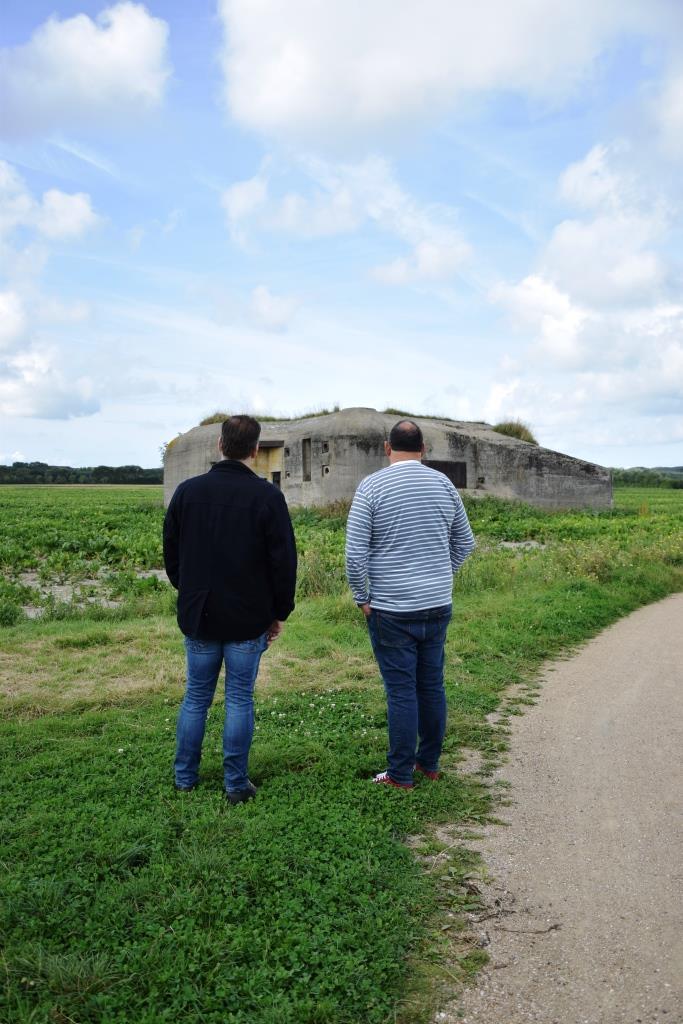 Unterwegs mit Guide Peter auf der Bunkerroute in Zeeland