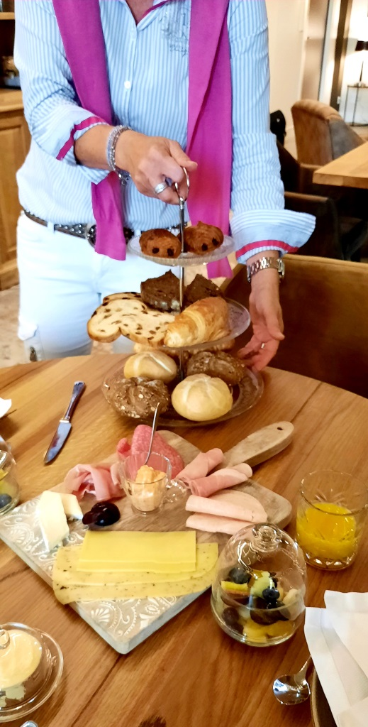 Start your day right! Tolles Frühstück im Kerkhotel Biervliet in Zeeland - Niederlande